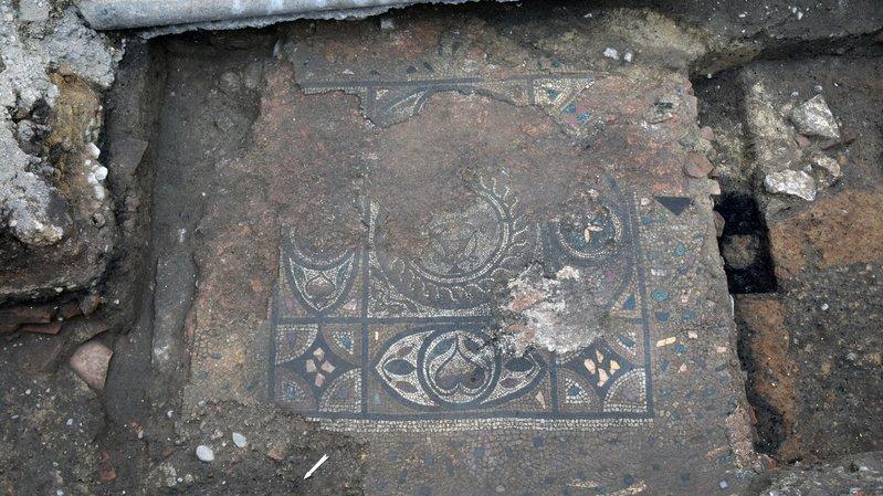 Découverte d'une mosaïque romaine à Avenches