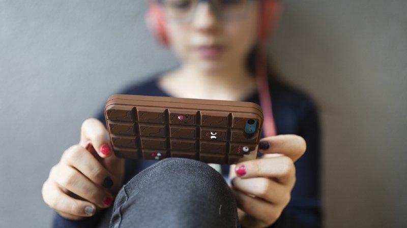 Le Code français sur l'éducation interdit déjà l'utilisation de smartphones pendant les périodes de cours.