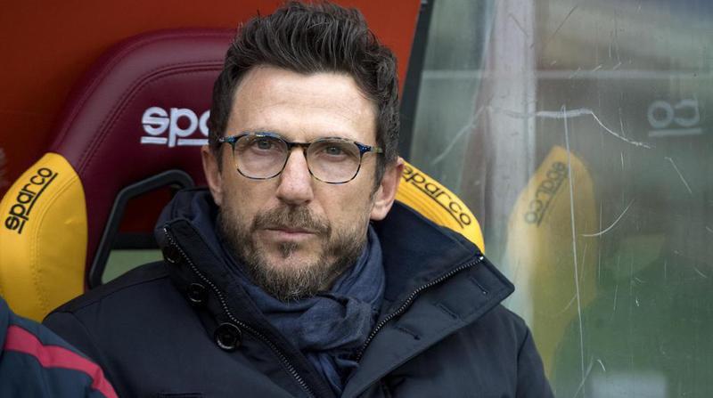 Le coach Eusebio Di Francesco s'est (dé)foulé sur le plexiglas à sa gauche.
