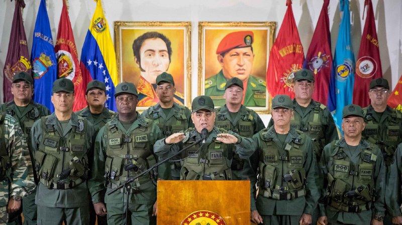 Vénézuela: 6 arrestations après une attaque au drone lors d'une cérémonie en présence de Nicolas Maduro