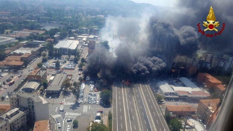 Italie: un mort et 68 blessés dans l'explosion d'un camion à Bologne