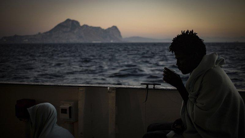 """Résultat de recherche d'images pour """"image de l'aquarius à l'ile de malte"""""""