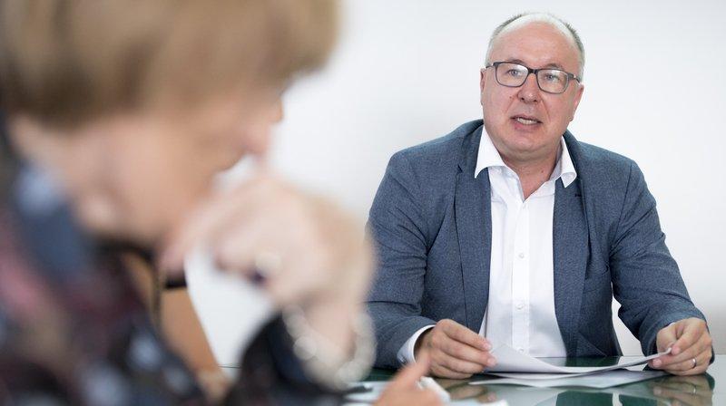 Le conseiller d'Etat vaudois Pierre-Yves Maillard parle lors de la conférence de presse consacrée au nouveau subside allégeant les primes d'assurance-maladie dans le canton de Vaud.