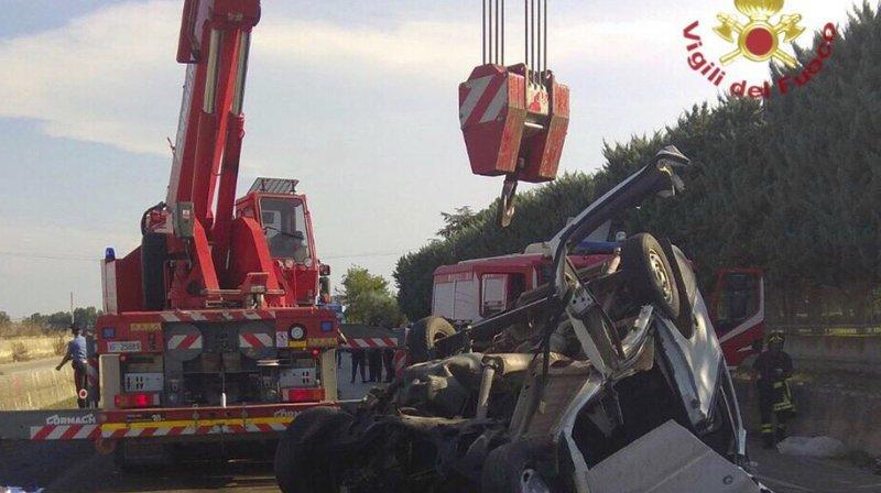 Italie: douze travailleurs meurent dans un accident de la route