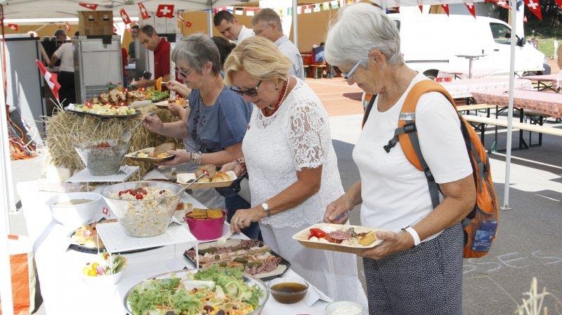Copieux, le brunch réunissant des fromages d'alpages voisins, des produits de boulangers et bouchers de la région.