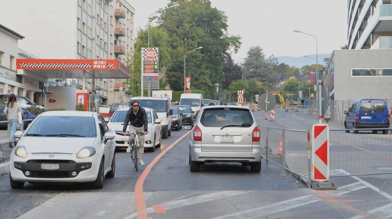 En voiture ou en vélo, pas toujours simple de circuler en ville.