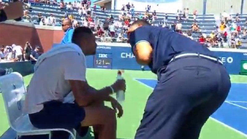 """""""Ce n'est pas le rôle d'un arbitre de descendre de sa chaise. En tant qu'arbitre, vous prenez des décisions depuis votre chaise, que ça vous plaise ou non. Mais vous ne descendez pas parler comme ça"""", a tranché Federer"""