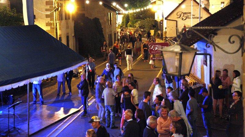 La Grand-Rue à Founex avec la Guinguette lors de la fête au village.