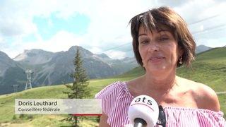 Doris Leuthard inaugure le parc aux ours d'Arosa (GR)