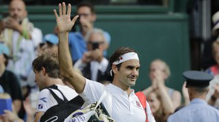Roger Federer souffle ses 37 bougies avant son retour à la compétition