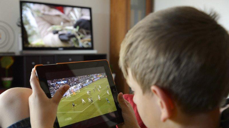 Santé: plus de deux heures d'écran par jour nuit aux capacités intellectuelles des enfants