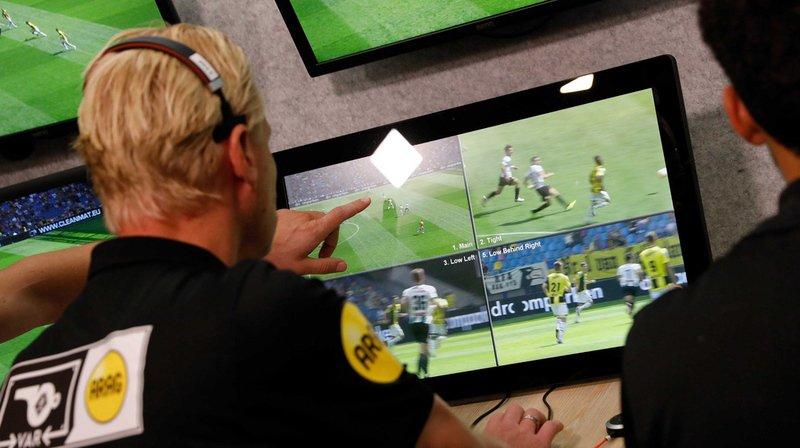 Football: l'arbitrage vidéo pourrait faire son apparition en Suisse dès 2019