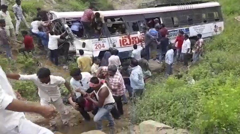 Inde: au moins 50 morts dans un accident de bus