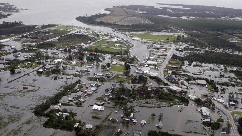 """Etats-Unis - Ouragan Florence: au moins 6 morts, des """"quantités monumentales"""" de pluie"""