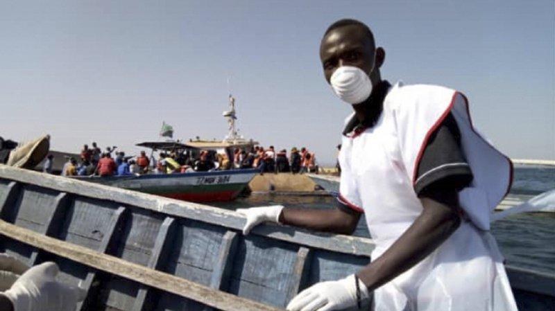 Des volontaires de la Croix-Rouge ont été engagés dans des opérations de sauvetage sur l'île d'Ukara, sur le lac Victoria.