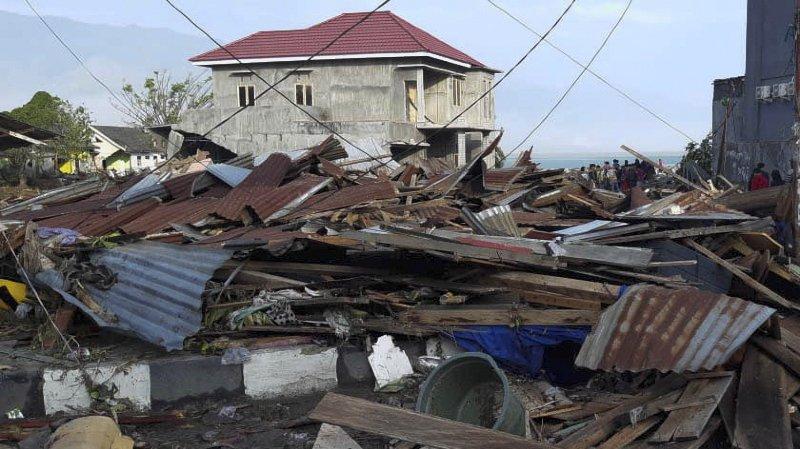 Indonésie: le séisme et le tsunami qui a suivi ont fait des centaines de morts
