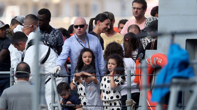 Méditerranée: les 58 migrants de l'Aquarius débarquent à Malte
