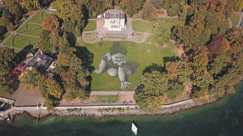 La fresque sera visible pendant plusieurs jours à Genève