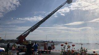 Pompiers: exercice en hauteur au bord du lac