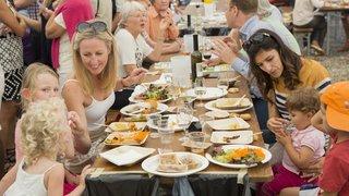 Avec The Meal, Mies s'apprête à manger pour la 7e fois un repas militant