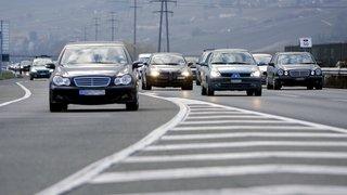 Pouvoirs publics ou multinationales privées, qui dirigera le trafic?