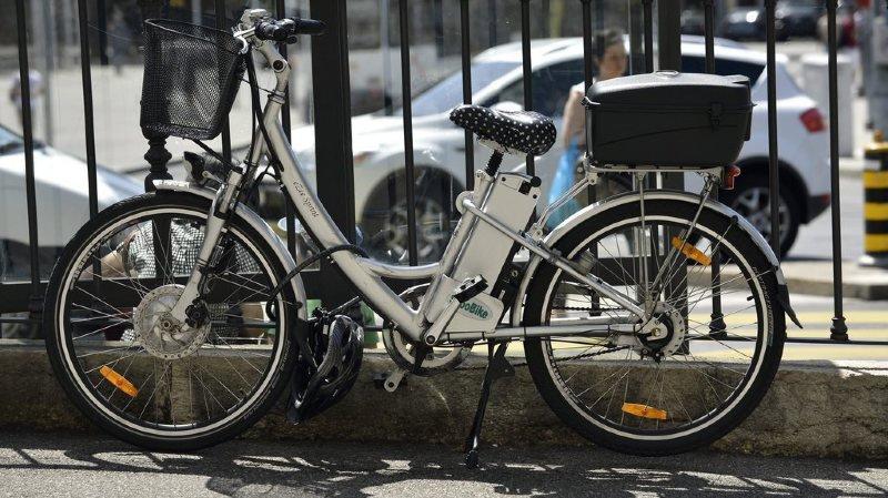 Une motion demande d'abaisser à 14 ans l'âge à partir duquel on peut utiliser un vélo électrique léger sans permis. (illustration)