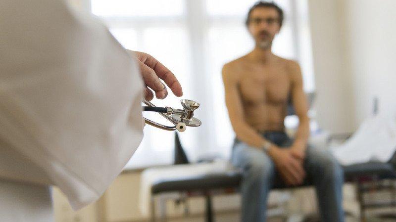 Augmentation des primes maladie: combien pouvez-vous économiser en changeant de caisse?