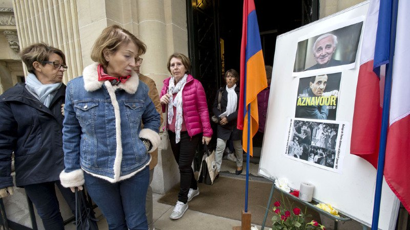 La cérémonie a eu lieu dans la cathédrale arménienne Saint-Jean-Baptiste de Paris.