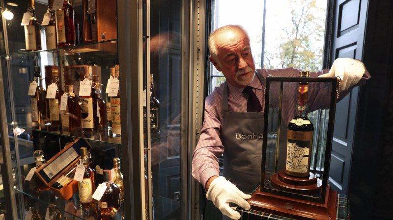 Enchères: une bouteille de whisky vendue plus d'un million de francs