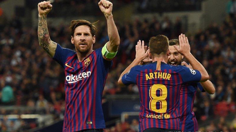 Football -  Ligue des Champions: Barcelone et l'Atlético gagnent, Naples bat Liverpool en fin de match