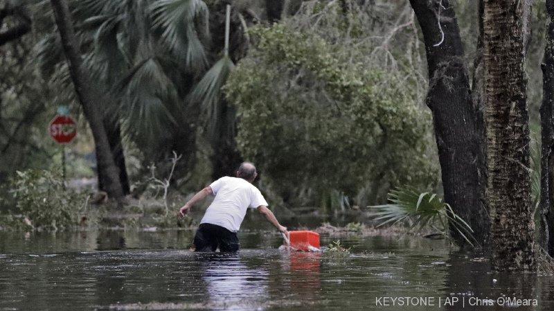 Etats-Unis: le violent ouragan Michael a ravagé la Floride où il fait au moins deux morts