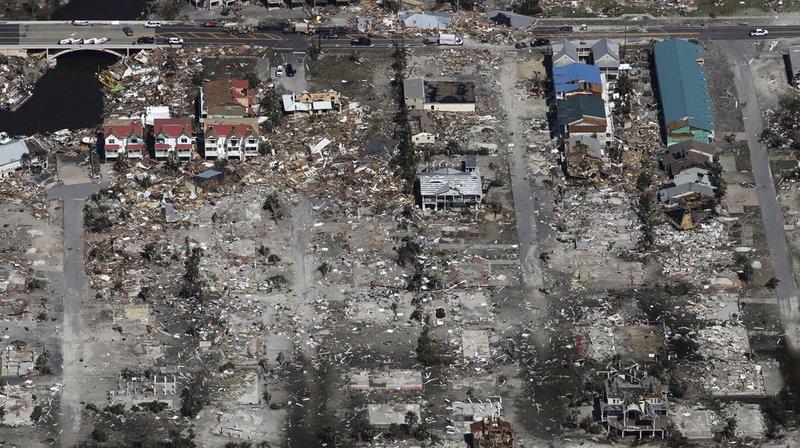 Des milliers de soldats et de secouristes s'activaient jeudi en Floride pour des opérations de sauvetage.