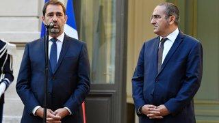 Pour se relancer, Macron remanie largement