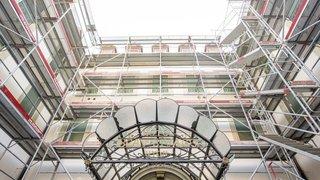 Nyon: des échafaudages pour des travaux de consolidation à l'hôtel Beau-Rivage