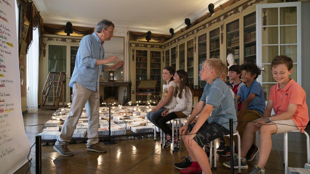 Fiami a tourné deux épisodes au Château de Coppet avec des enfants : «La Laitière et le Pot au Lait» et «L'Amour et la Folie».