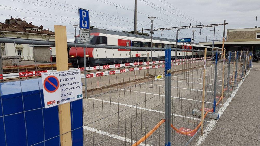 A Rolle, trente-cinq places de stationnement ont été supprimées et ce n'est pas fini!