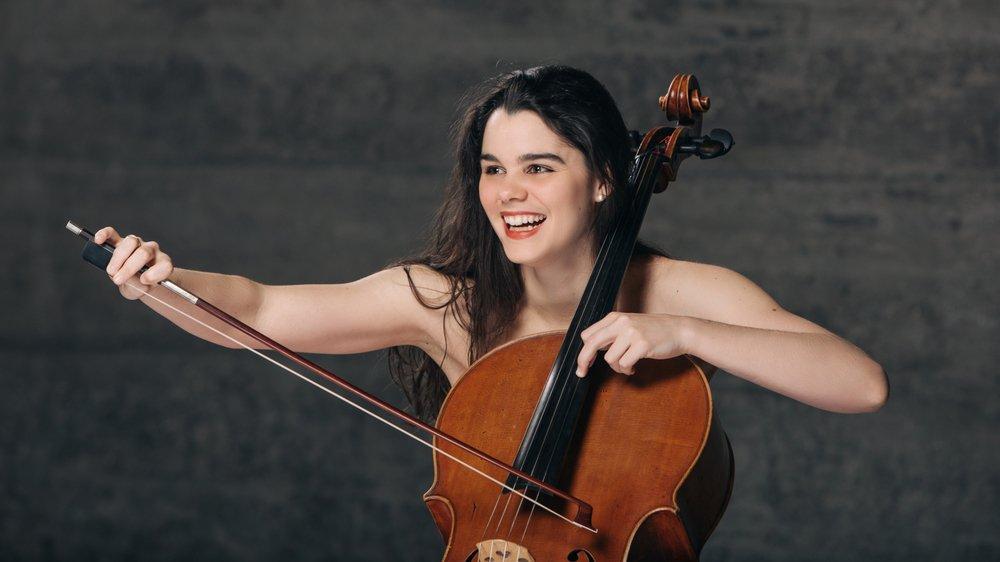 La jeune violoncelliste valaisanne Estelle Revaz interprètera 4 danses norvégiennes d'Edvard Grieg, à 16h.