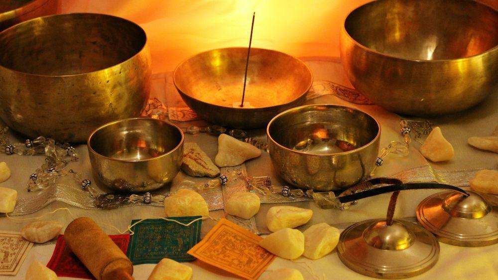 Découvrez les bols chantants tibétains et leurs sons relaxants.