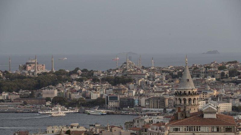 Suisse-Turquie: quatre binationaux sont toujours bloqués en Turquie