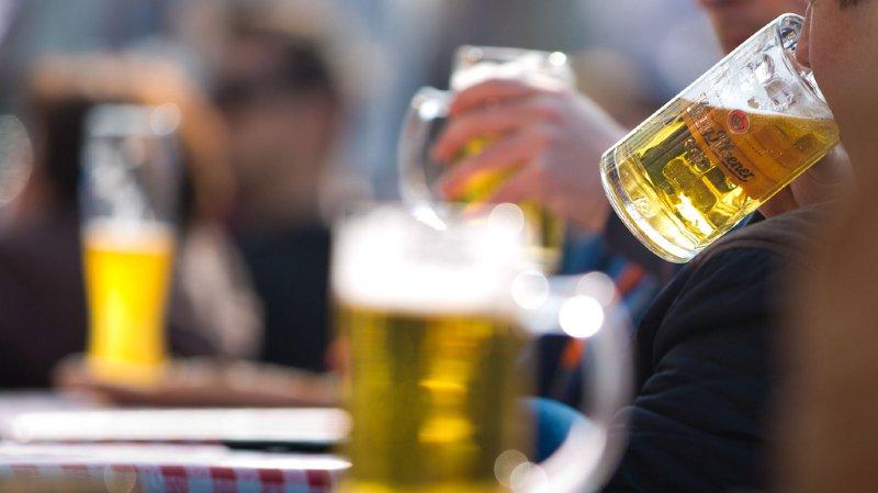 Hospitalisations dues à l'alcool et autres drogues: les cantons romands en tête du classement