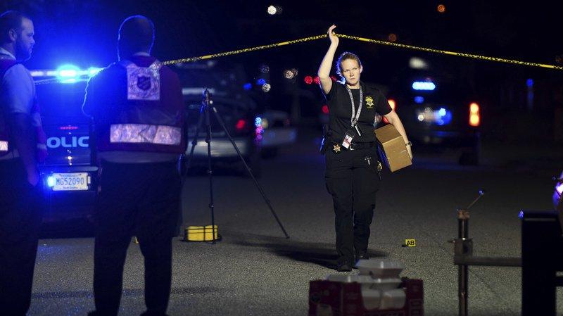 La femme de 65 ans a été abattue alors qu'elle regardait la télévision avec son époux à leur domicile de Litchfield Park, dans le sud-ouest des États-Unis.