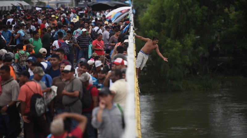 Honduras: environ 3000 Honduriens poursuivent leur marche vers les États-Unis