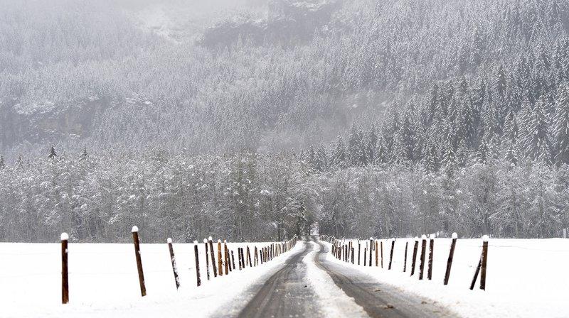 Météo: neige et pluie abondantes s'abattent sur la Suisse