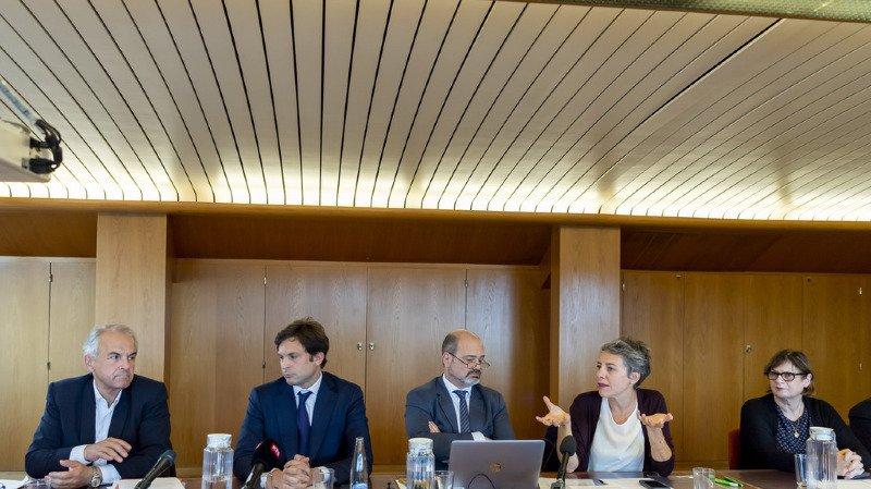 Le conseil administratif de la ville de Genève a été poussé à jouer la transparence totale.