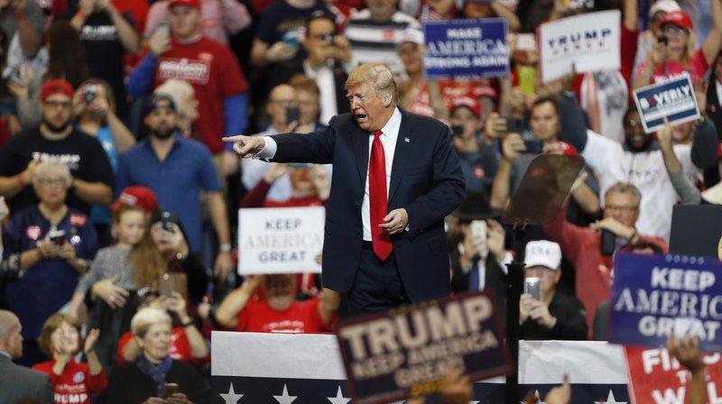 Deux ans après la soirée du 8 novembre 2016 qui avait propulsé le milliardaire à la Maison Blanche, les démocrates espèrent prendre une revanche politique.