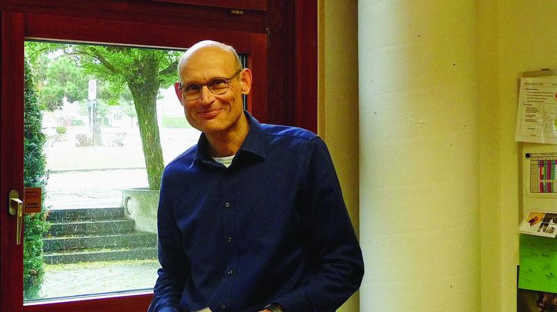Jean Cuénot, directeur des établissements primaires et secondaires (EPS) de Saint-Prex et environs a pris son poste le 1er mai dernier.