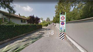 Des obstacles pour ralentir le trafic entrant dans Nyon par le chemin du Vallon