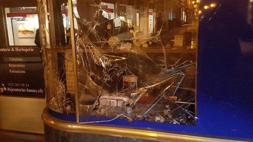 La bijouterie, sise à la Grand-Rue, a été cambriolée dans la nuit de vendredi à samedi.