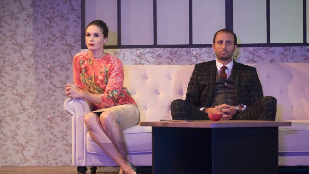 Unis à la ville comme à la scène, Barbara Schulz et Arié Elmaleh apportent un supplément d'authenticité à cette comédie à l'humour abrasif.