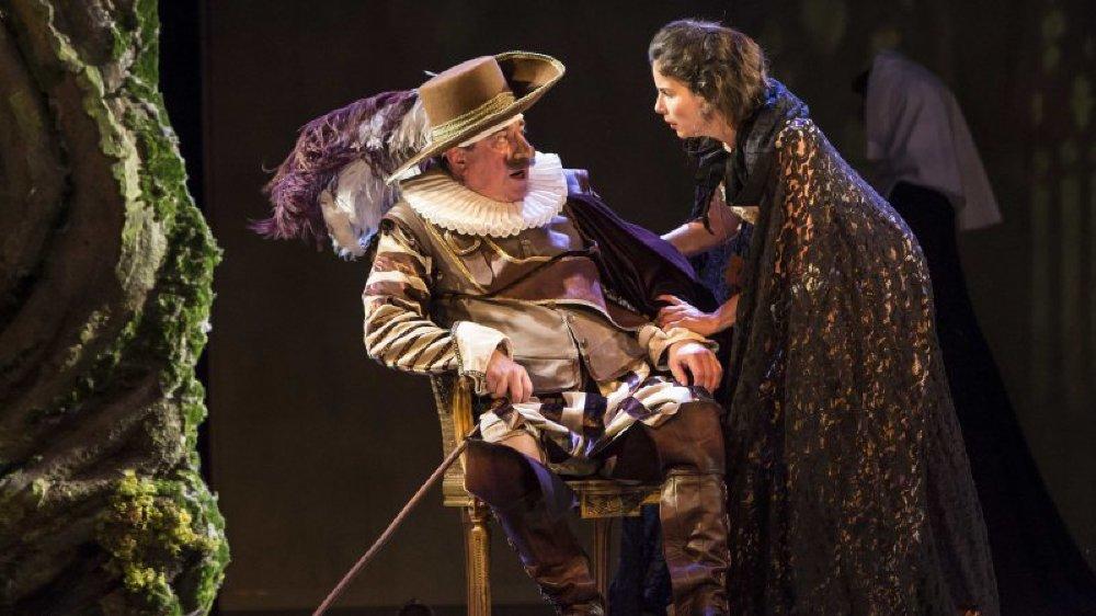 La création d'Alexis Michalik a eu un énorme succès auprès du public et des professionnels en raflant cinq Molières.